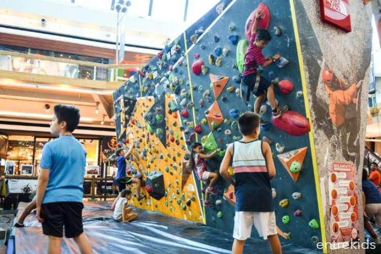 Escalada de prueba para niños en Muro Mall Sport