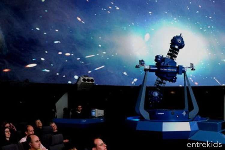 Estrellas y Burbujas en el Planetario