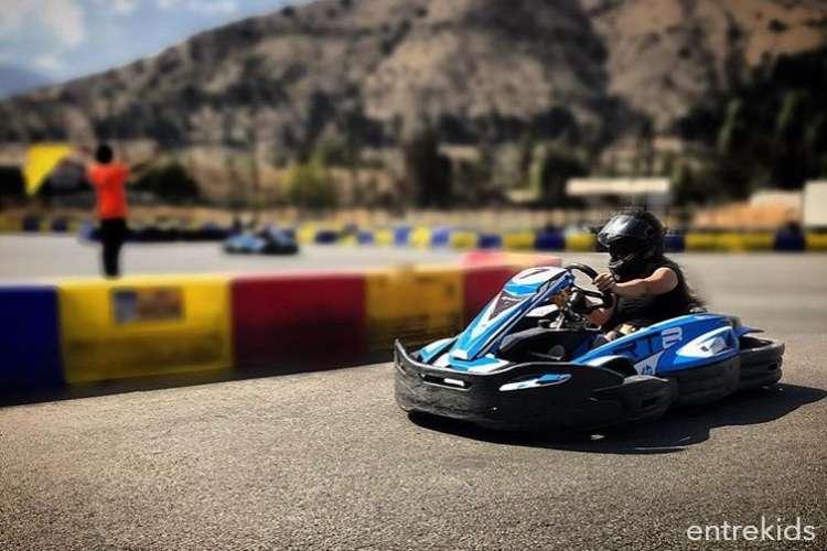 Siente la adrenalina del Karting con tus niños