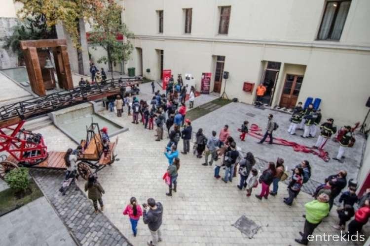 Día Mundial del Agua en el Museo de Bomberos de Santiago