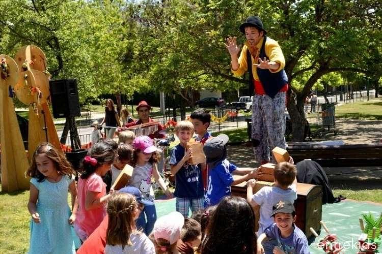 Vitaniños en Acción - Otoño en las Plazas
