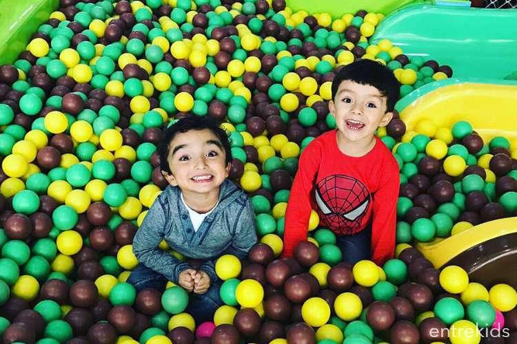 ¡Ven a jugar a Para Pekes con quien tú quieras! (2 niños)