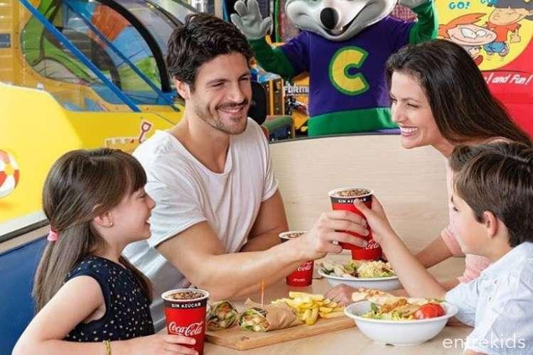 Juegos y Pizza en Chuck E. Cheese's - Las Condes