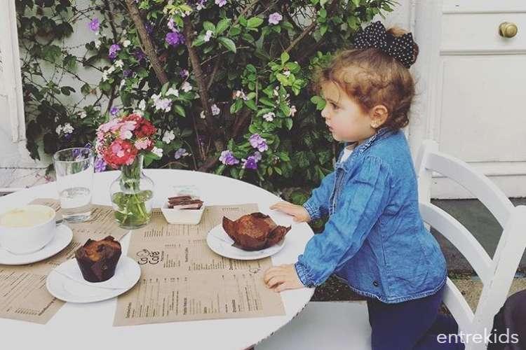 Relájate mientras tu hijo juega en Cocó Café