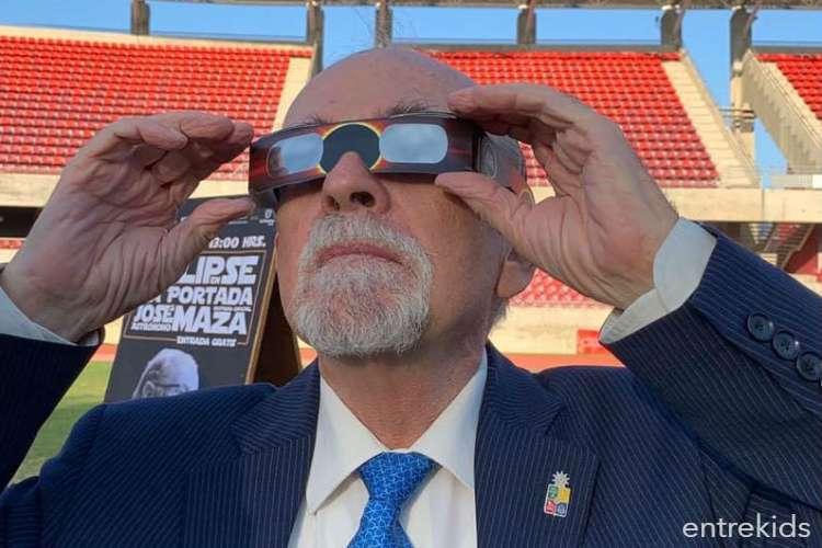 Eclipse de Sol en el Estadio La Portada de La Serena