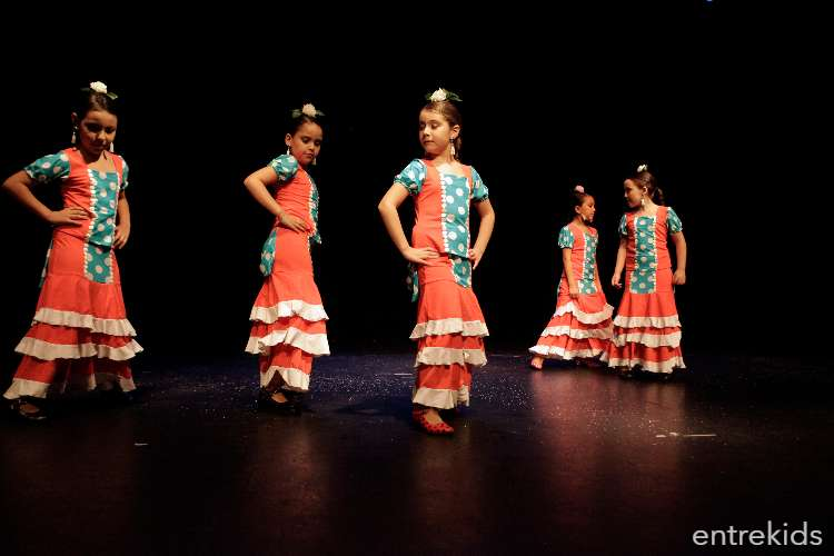 Clases de Flamenco Infantil Mayor - Academia La Plazuela