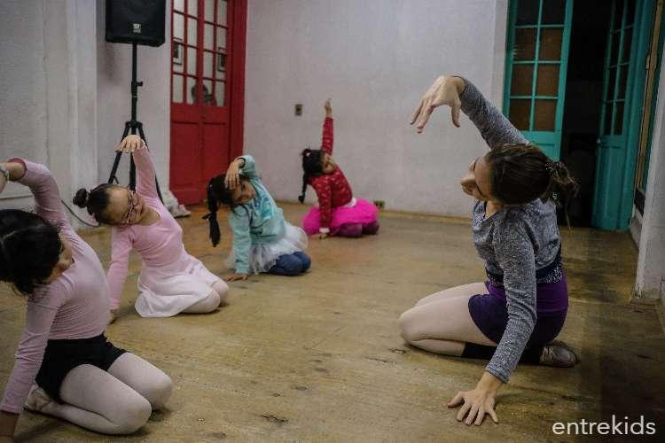 Clases de Ballet Infantil Menor en Academia La Plazuela