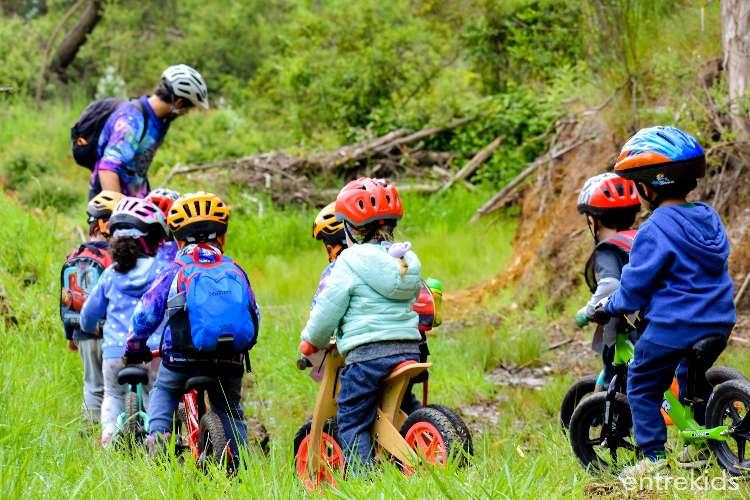 Taller de iniciación al ciclismo para niñas y niños