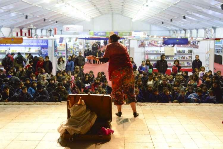 Feria del Libro Infantil y Juvenil en Parque Bustamante
