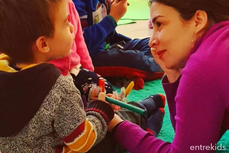 Domingos Tiny Ioga en familia: Paseo por un Safari