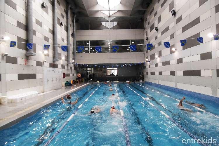 Clases de natación para niños en Gran Pez