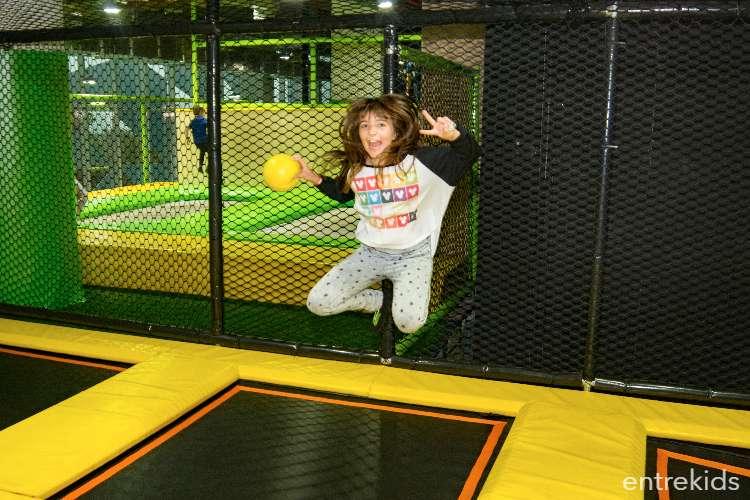 Salta y diviértete en GoJump Trampoline Park