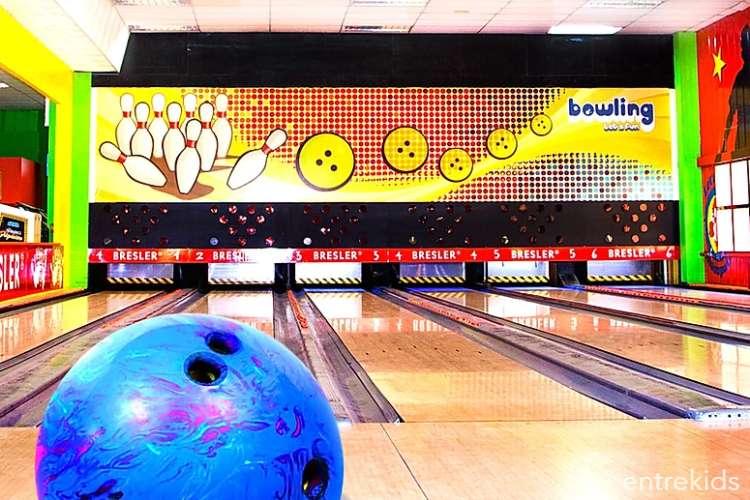 Let's Fun Bowling + Pizzas y Bebidas