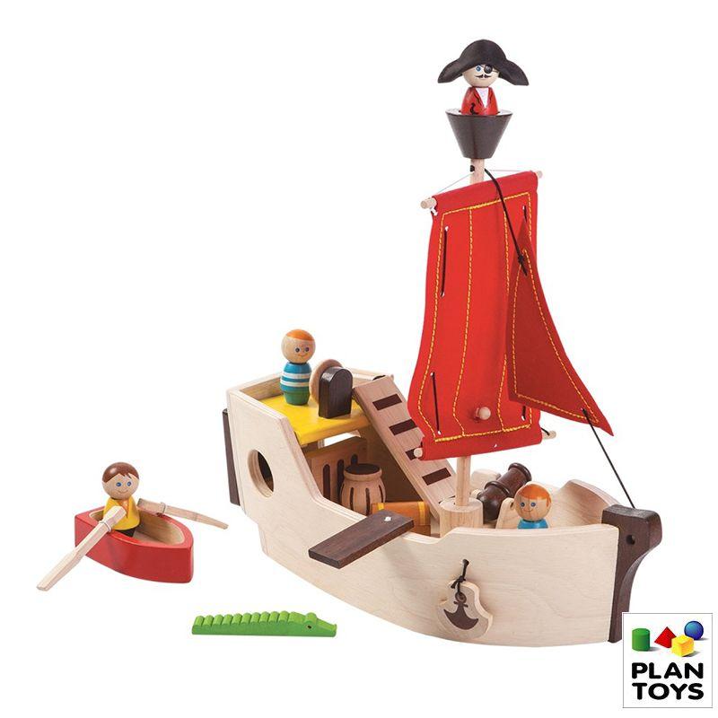Barco pirata de madera