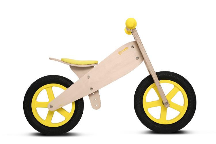 Bicicleta clásica amarillo
