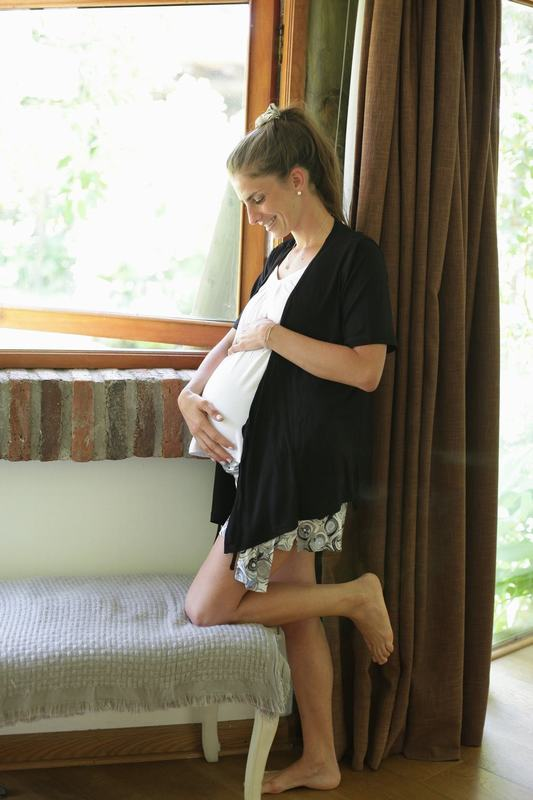 Bata Corta Negra Maternal Y Lactancia MATCH 1036DD