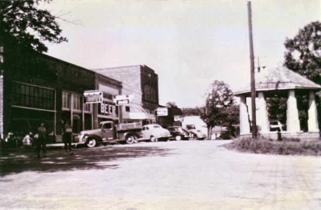 Altus; 1940s