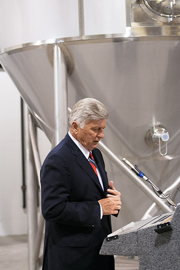 Mike Beebe at Diamond Bear Brewery