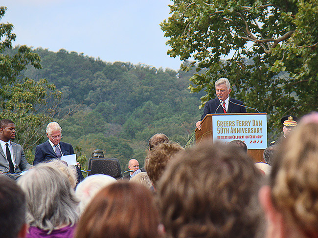 Mike Beebe at Greers Ferry