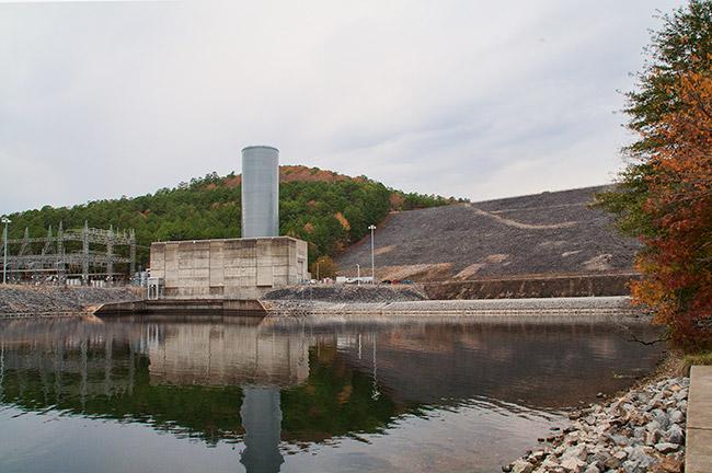 Blakely Mountain Dam