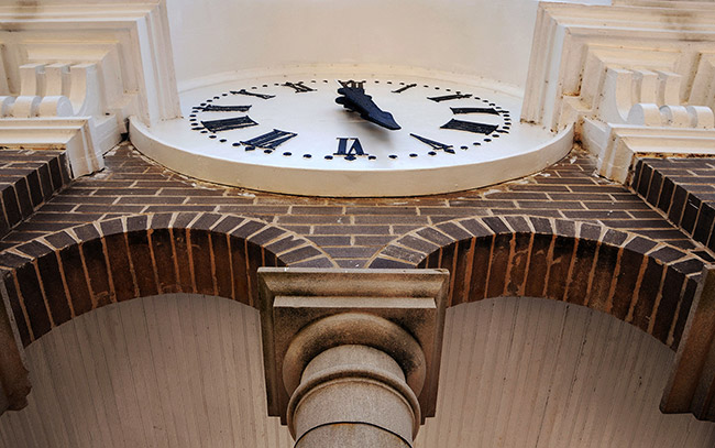 Calhoun County Courthouse Clock