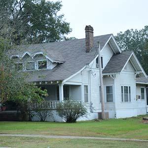 D. L. McRae House