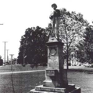 Dardanelle Confederate Monument