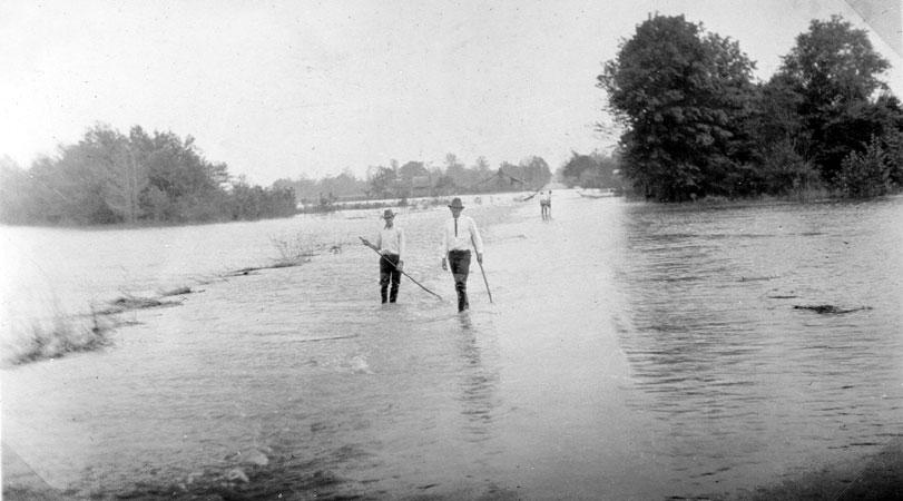 Dixie: 1927 Flood