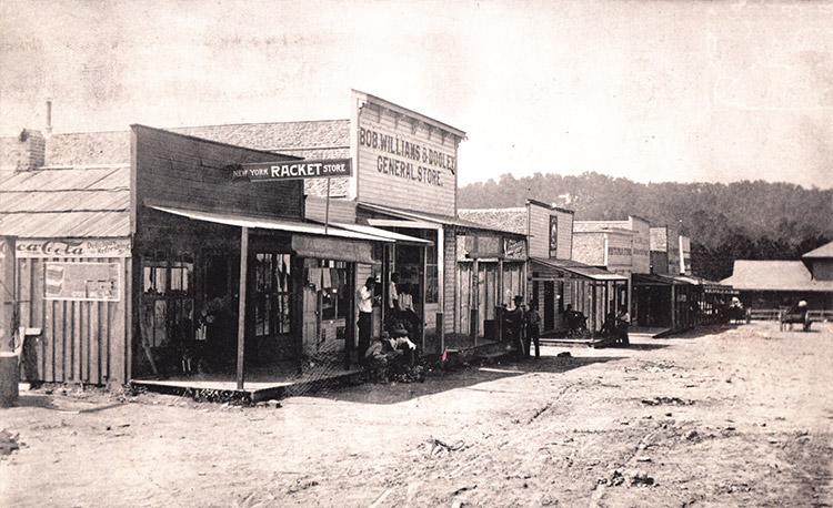 Glenwood Street Scene