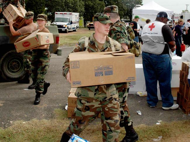 Arkansas National Guard Assisting Hurricane Katrina Evacuees