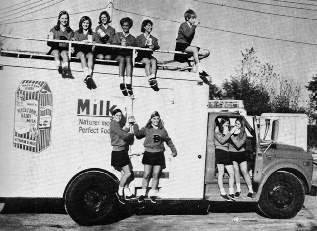 Batesville Dairy Truck and Cheerleaders