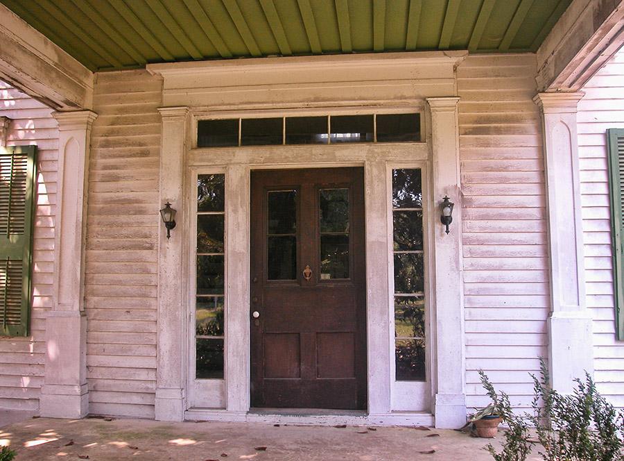 Magnolia Manor Entrance