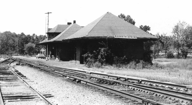 Mammoth Spring: Train Depot
