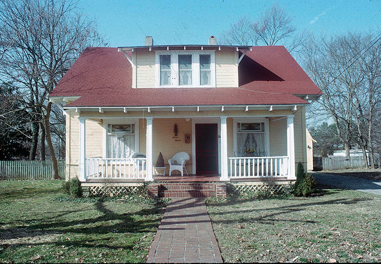 House at 712 North Mill Street