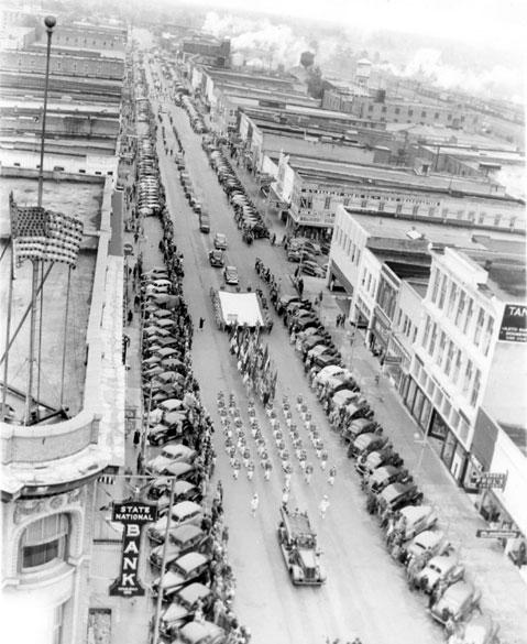 Texarkana: Military Parade