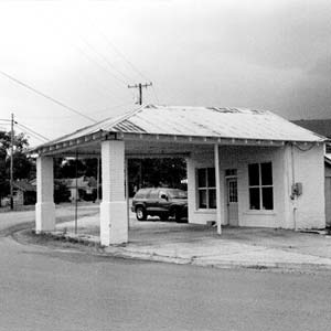 Mount Ida Cities Service Filling Station
