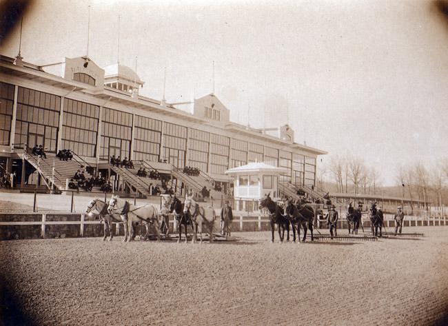 Oaklawn Park; 1916