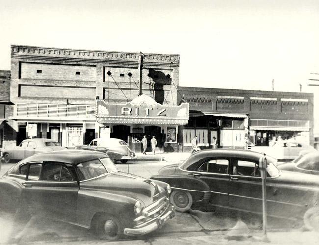 Blytheville: Theater