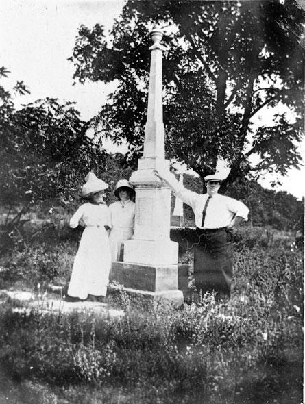 Pea Ridge Confederate Monument