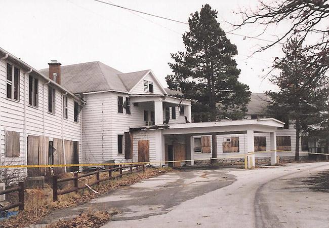Sunset Hotel: 1999