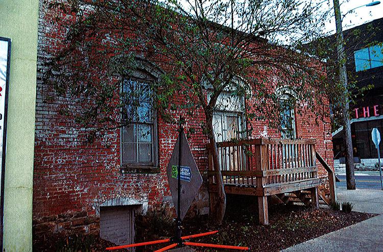 Side Entrance & Deck