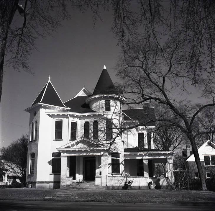 Holtzman-Vinsonhaler House