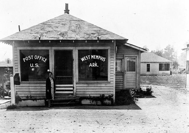West Memphis: Post Office