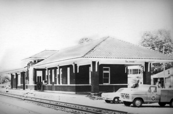 Bald Knob: Train Depot