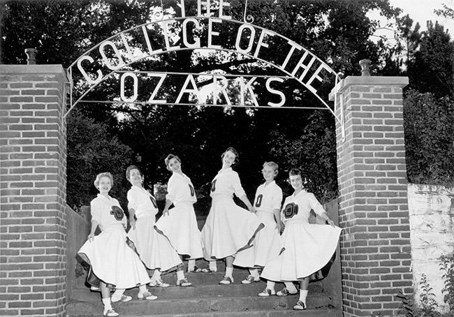 College of the Ozarks Cheerleaders