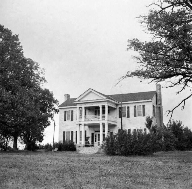Magnolia: Antebellum House
