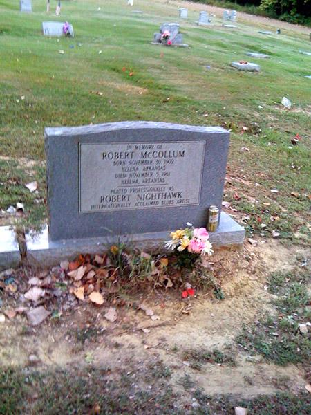 Robert Nighthawk Grave