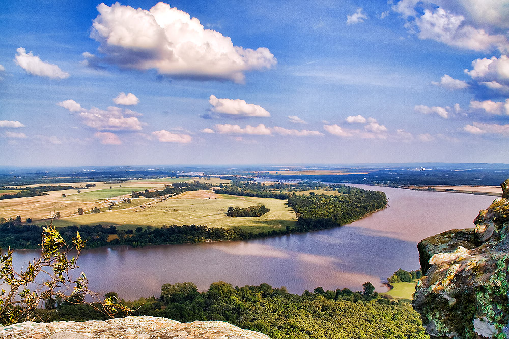 Petit Jean State Park: Arkansas River View