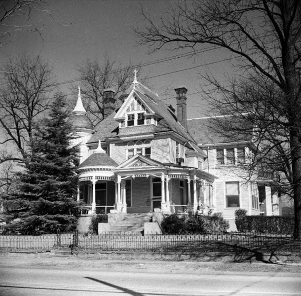Helena: Pillow-Thompson House