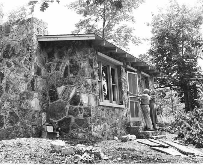 Cherokee Village: Native Stone House